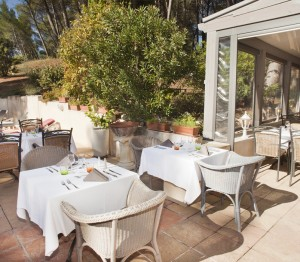 terrasse pinede nature hotel restaurant aix en provence