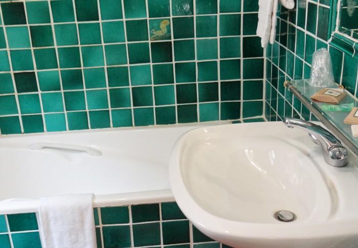 le-mas-des-ecureuils-salle de bain n18
