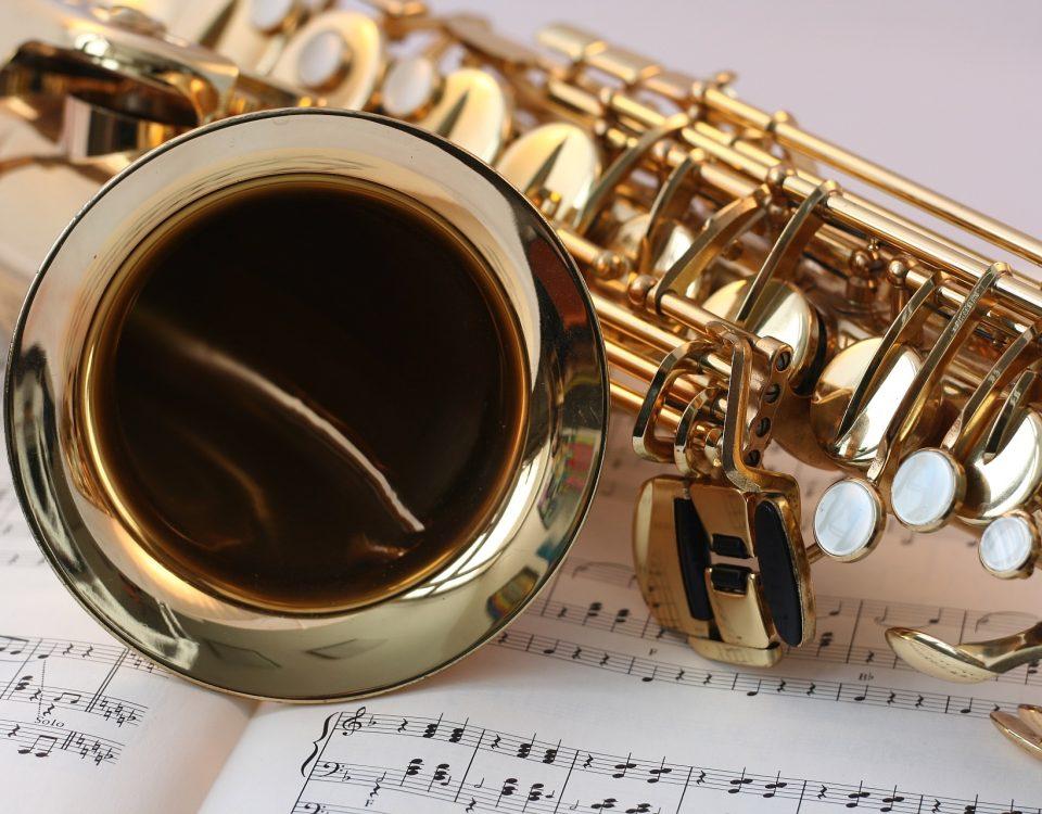 Détails partition et saxophone